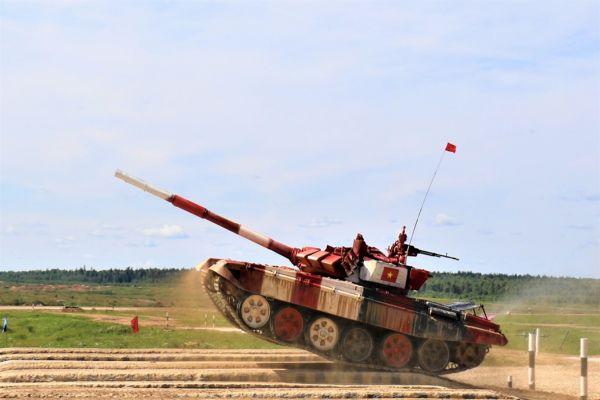 Triển lãm Xe tăng và khí tài quân sự Việt Nam lần đầu tiên tại tỉnh Thái Nguyên